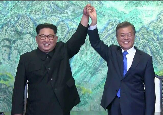 Rencontre entre le dirigeant nord-coréen Kim Jong-un et le Président sud-coréen Moon Jae-in