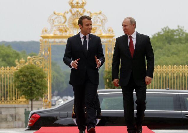 Emmanuel Macron et Vladímir Poutine. Photo d'archive