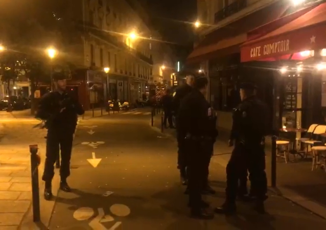 Un homme a agressé au couteau des passants à Paris, une opération de police en cours, 12 mai 2018