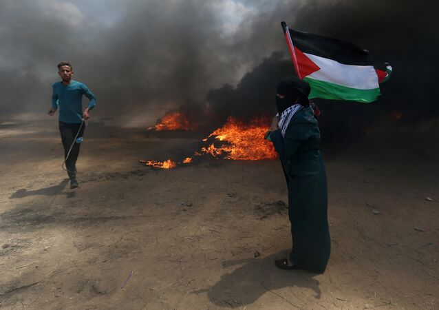 Des affrontements font rage  à la frontière israélo-gazaouie, le 14 mai 2018