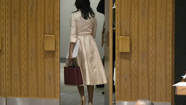 La representante permanente de EEUU ante la ONU, Nikki Haley, abandona la reunión del Consejo de Seguridad de la ONU durante la comparecencia del embajador palestino - Sputnik France