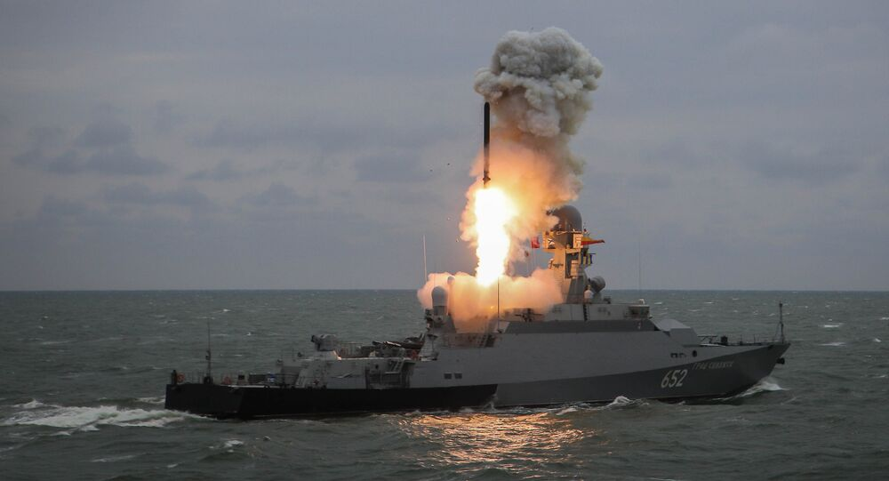 Pourquoi la Russie renvoie-t-elle son escadre d'attaque en Méditerranée?