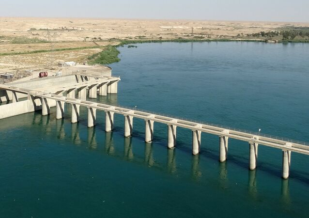 barrage sur l'Euphrate