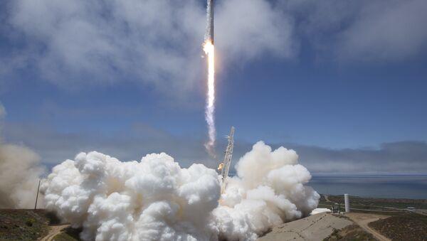 SpaceX Falcon 9 - Sputnik France