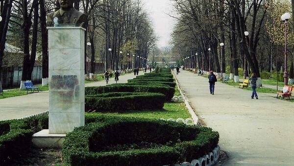 Bâcau, Romania. Monumentul Mircea Cancicov, March 2001 - Sputnik France