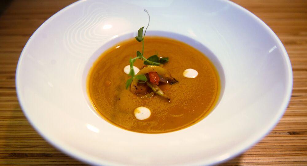 Crème de légumes grillés aux tomates confites au café Ukrop
