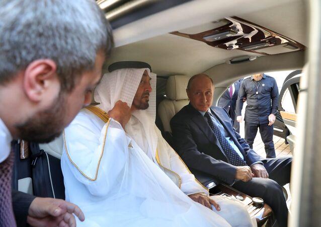 Vladimir Poutine et Mohammed ben Zayed Al Nahyane, prince héritier d'Abou Dabi