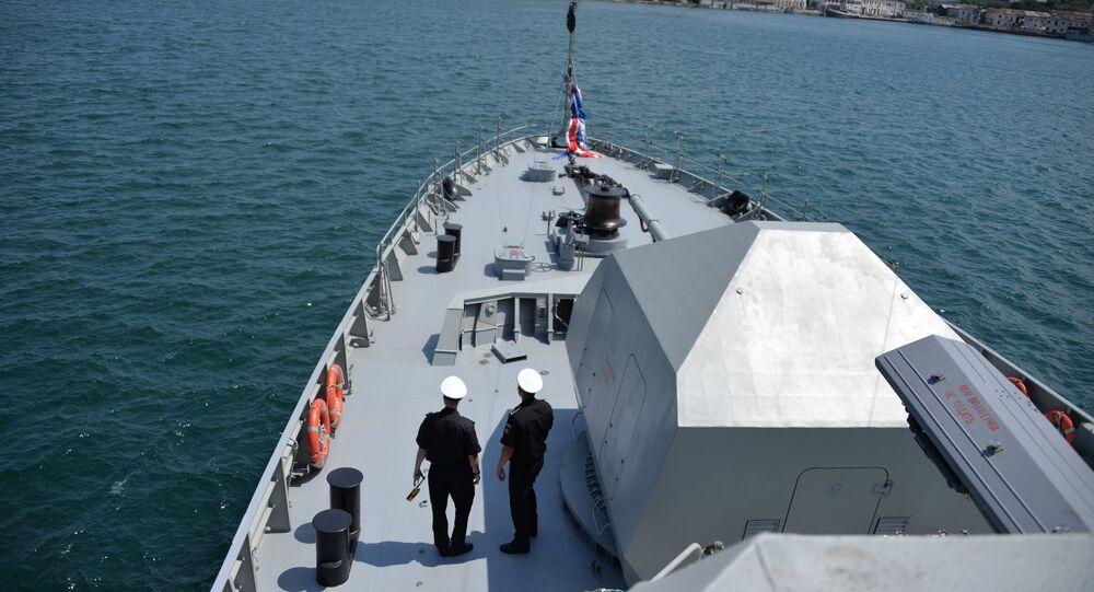Le tout nouveau navire lance-missiles Vychnii Volotchek