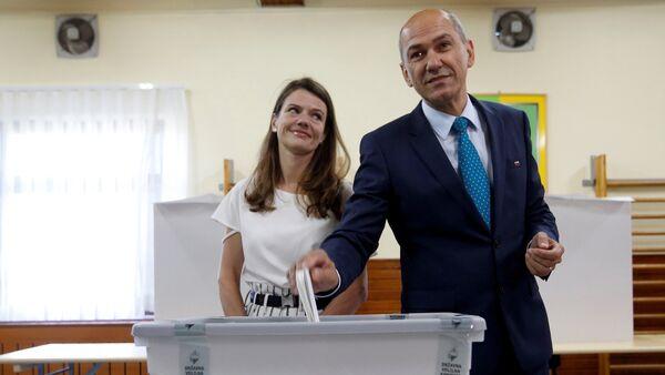 Janez Jansa et son épouse Urska - Sputnik France