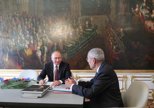 Vladimir Poutine et Alexander Van der Bellen à Vienne