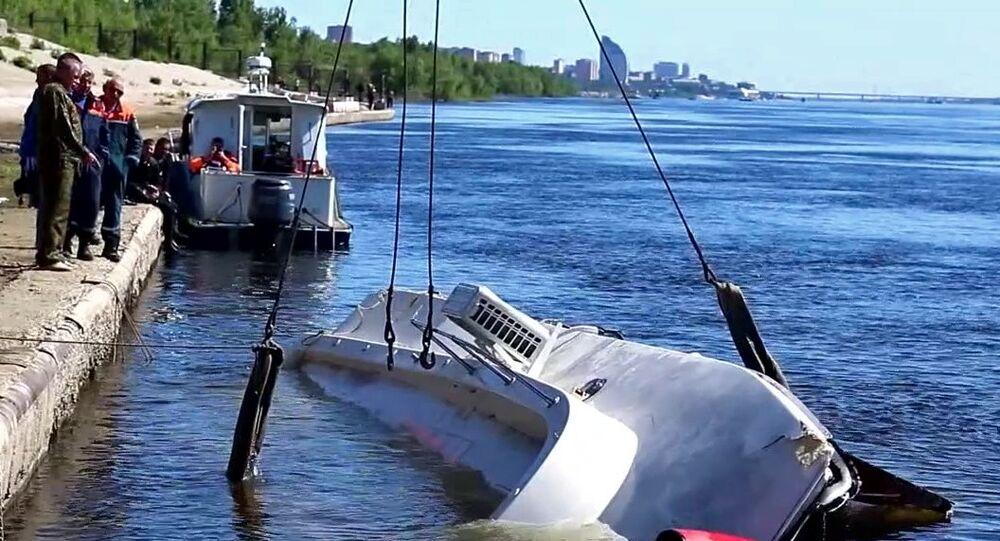 Naufrage d'un catamaran à Volgograd