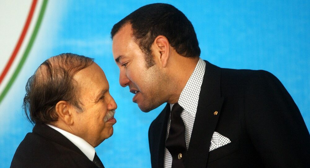 Le roi du Maroc Mohammed VI et le Président algérien Abdelaziz Bouteflika