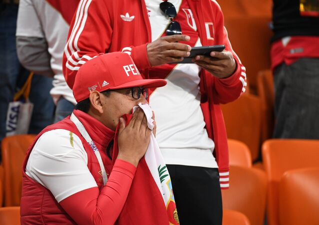 Un supporter péruvien après le match contre la France