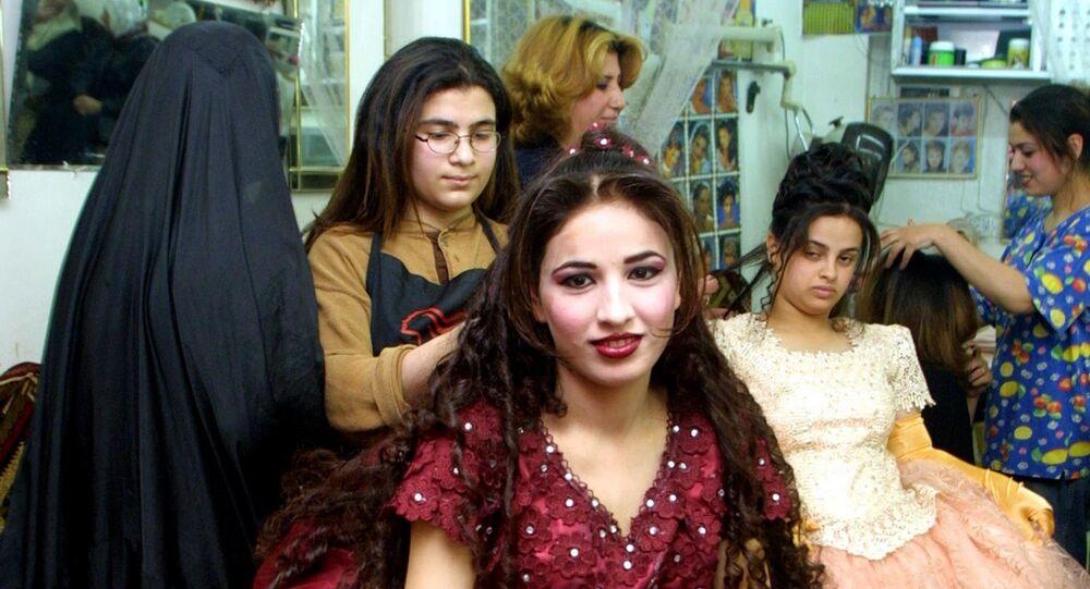 Pourquoi aujourd'hui en Irak une fiancée qui travaille a-t-elle tant de perspectives?