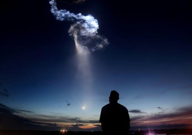 Tir de la fusée Falcon 9