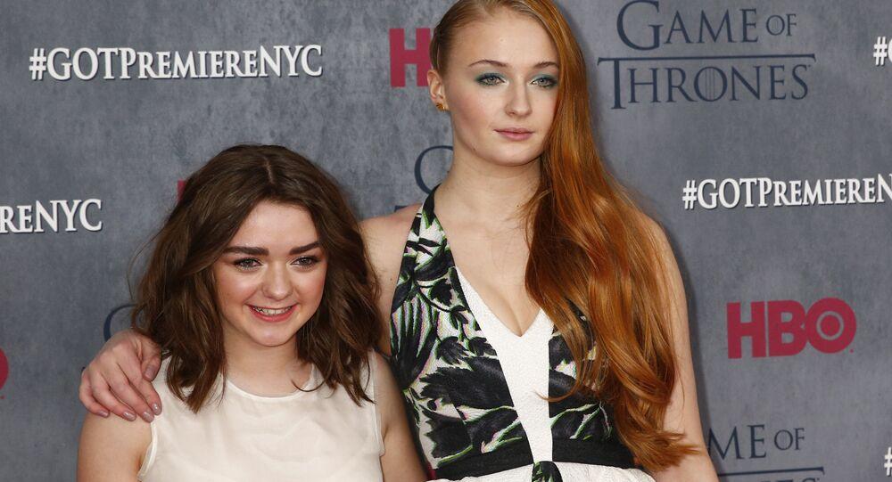 Les actrices de la série Game of Thrones Maisie Williams et Sophie Turner