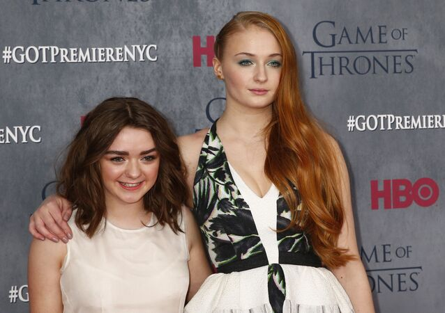 Les actrices de la série Game of Thrones Maisie Williams et Sophie Turner