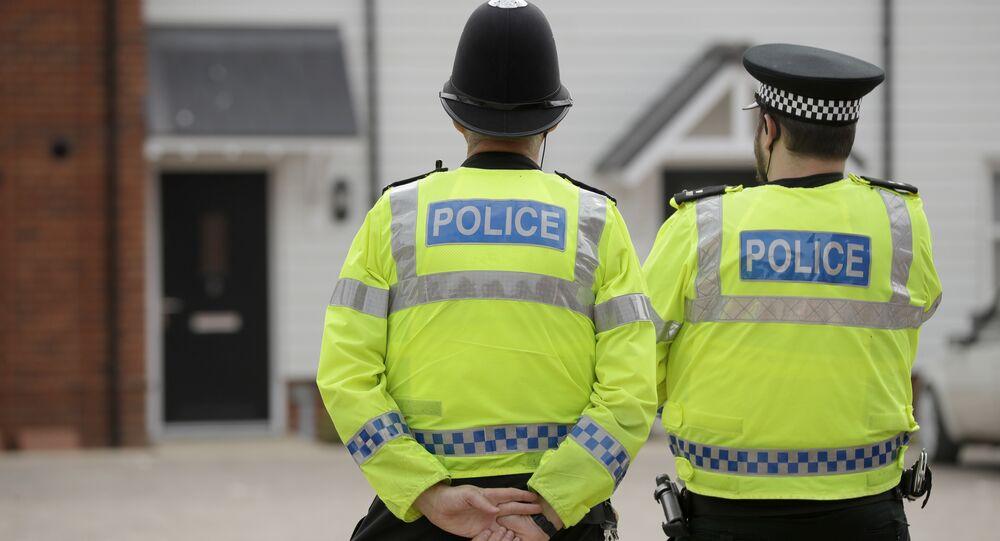 Des policiers britanniques à  Amesbury