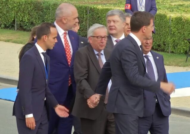 J-C Juncker au sommet de l'Otan