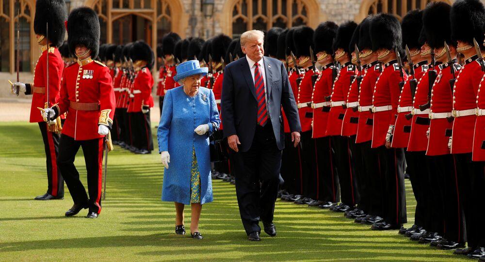 Trump et Élisabeth II