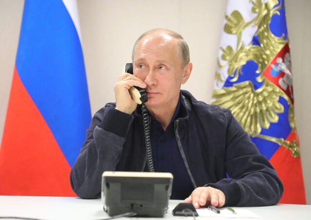 Vladimir Poutine s'entretient avec Recep Tayyip Erdogan