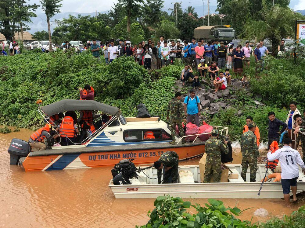 Effondrement d'un barrage au Laos