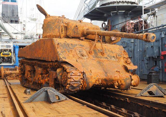Мероприятие Северного флота по подъему со дна Баренцева моря американскиого танка Шерман