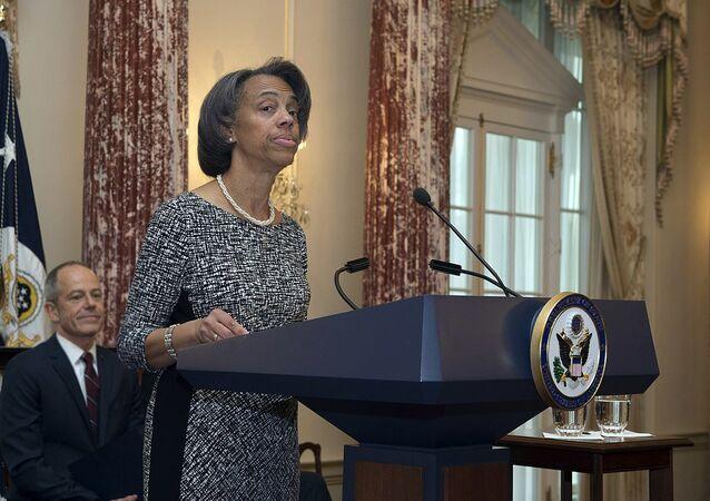 l'ambassadeur des États-Unis au Bangladesh, Marcia Bernicat