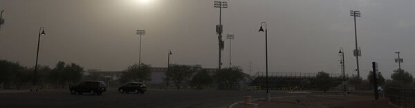 A monsoon dust storm moves through the metro area Thursday, Aug. 2, 2018, in Phoenix. Heavy rain has caused flash flooding in washes and creeks in Mayer, north of Phenix. - Sputnik France