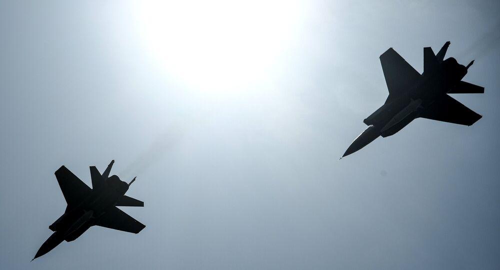 Des chasseurs polyvalents MiG-31avec des missiles Kinjal