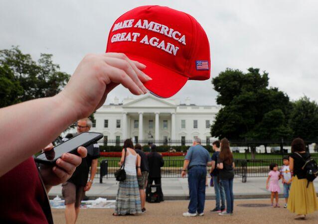 «Sanctions de l'enfer» ou sanctions antirusses: les analystes US désignent le vainqueur