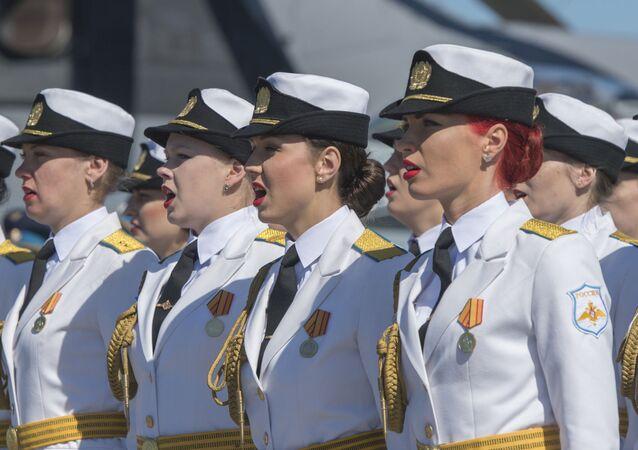 Des femmes de l'armée russe