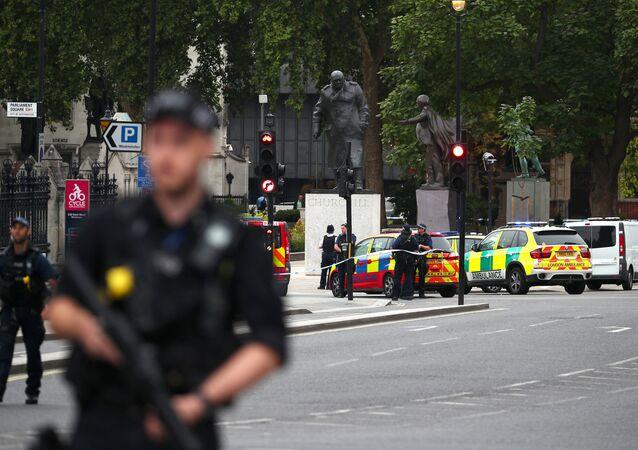 les barrières de sécurité devant le Parlement britannique