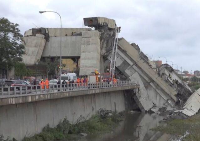 Opération de sauvetage après l'effondrement d'un viaduc à Gênes