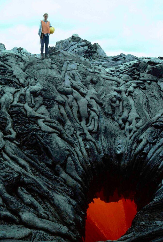 Coulée de lave après une éruption sur l'île de Kamokuna