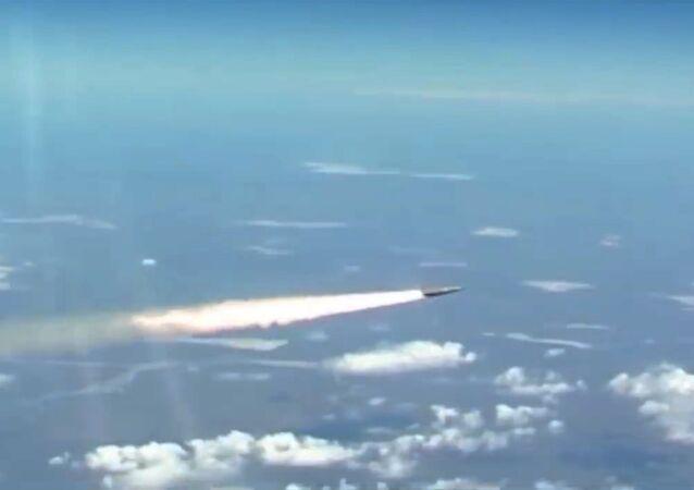 Tir de missile Kinjal