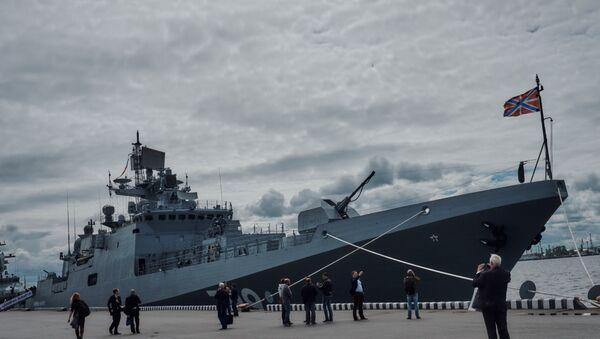 La frégate Amiral Makarov au salon naval de Saint-Pétersbourg - Sputnik France