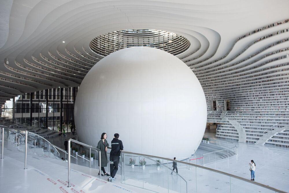 La bibliothèque Tianjin Binhai, en Chine.