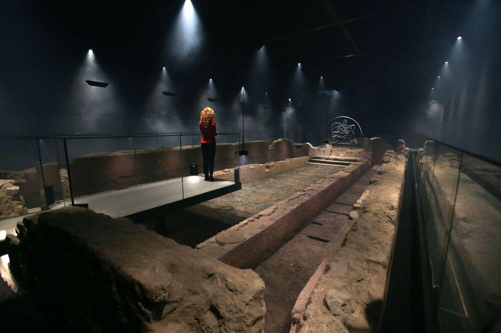 Le Temple de Mithra, appelé London Mithraeum, ancien temple romain souterrain à Londres.