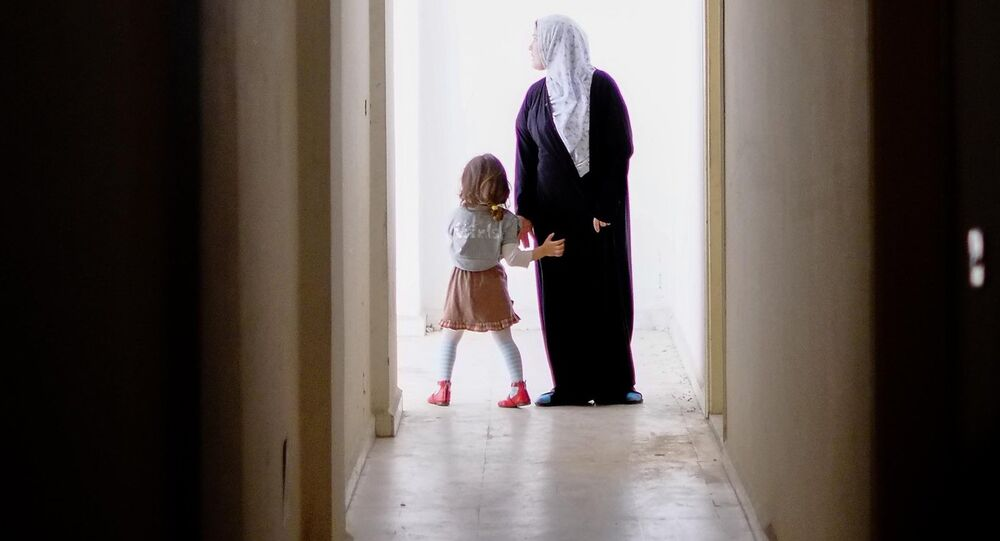 Une femme et une fille, Syrie, image d`illustration
