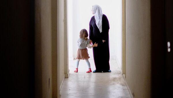 Une femme et une fille, Syrie, image d`illustration - Sputnik France