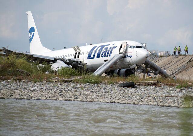 Un Boeing 737 prend feu à l'atterrissage à Sotchi