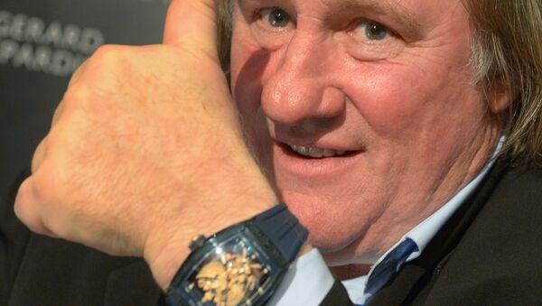 Gérard Depardieu lors de la présentation de sa collection de montres «Je suis fier d'être russe», créé conjointement avec la marque horlogère Cvstos, au Four Seasons Hotel à Moscou. - Sputnik France