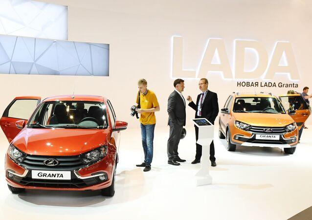 Des voitures de la marque Lada
