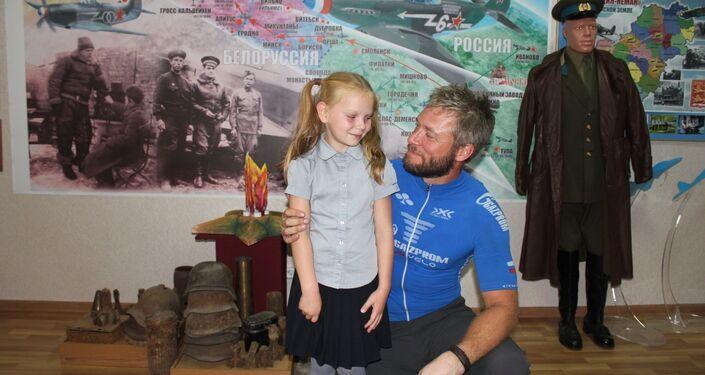 Jonas Berteau, ex-légionnaire réalise un périple de 5.000 km à vélo en hommage au Normandie-Niemen