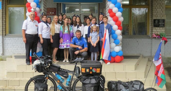Jonas Berteau, un ex-légionnaire réalise un périple de 5.000 km à vélo en hommage au Normandie-Niemen