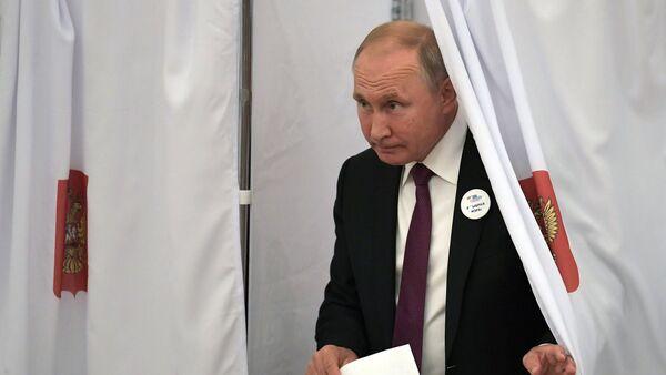 Russlands Präsident Wladimir Putin während der Bürgermeisterwahlen - Sputnik France