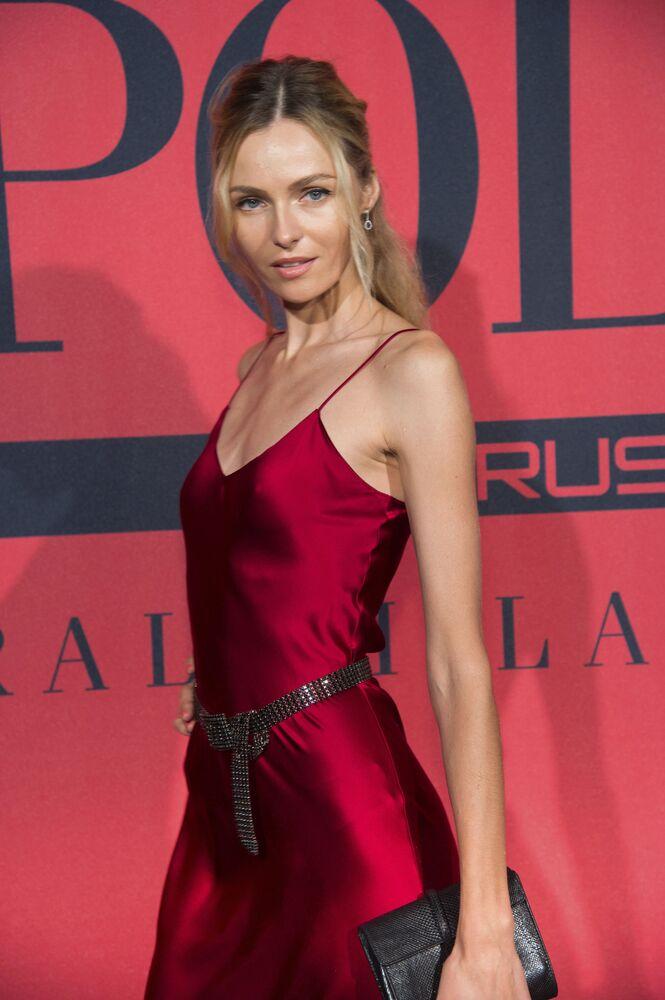 Les plus beaux mannequins russes sur les podiums mondiaux