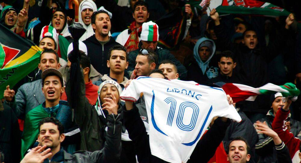 Des supporters du club algérois USMA