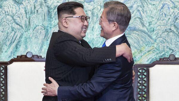 Kim Jong-un et Moon Jae-in - Sputnik France